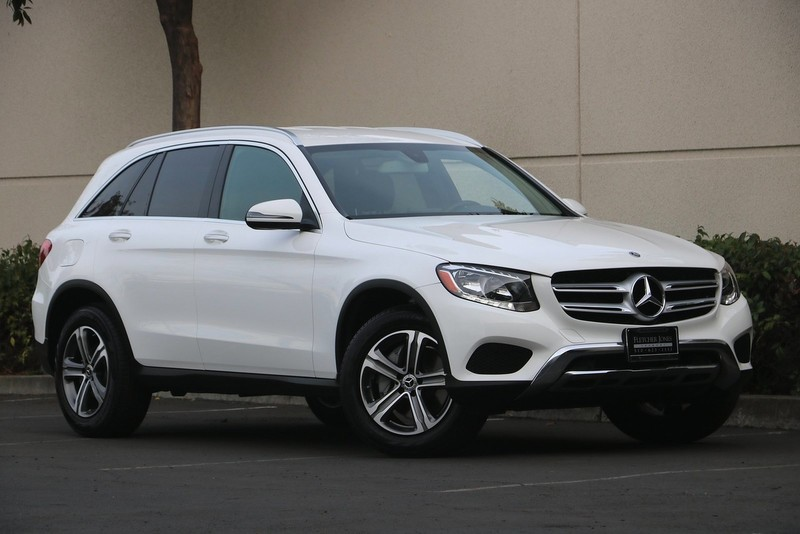 2019 GLC 300 4MATIC® Previous Loaner